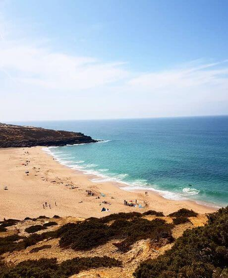 Vista da praia da Foz do Lizandro na Ericeira